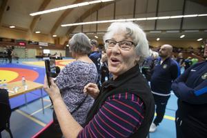Anita Bernardsson följde sonsonen Viktors matcher från brottningsringens kant.
