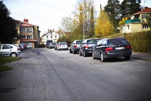 Norra sidan av Mårtensgatan är en av de gator som i vinter föreslås få parkeringsförbud för att underlätta snöröjningen.