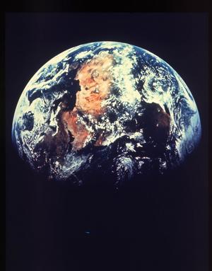 Jorden måste bli kallare. 1,5 gradersmålet måste uppnås och Sverige måste så fort som möjligt bli fossilfritt, skriver Pontus Björkman. Foto: UPI