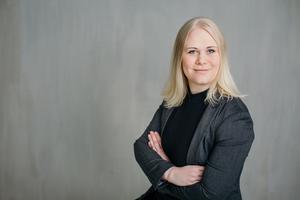 Katarina O'Nils Franke är uppvuxen i Undersvik och Bollnäs och nu bosatt i Stockholm. I mitten av augusti kom hennes andra roman.    Foto: Sophia Danforth