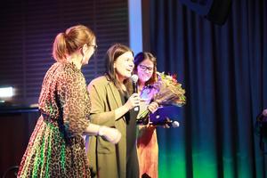 Elin Martinsson höll ett starkt och känslomässigt tal inför prisutdelningen av John-Rune Wikéns stipendium och Amanda Löfgren blev rörd av att få ta emot priset.