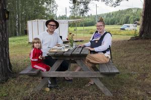 Först på plats bland besökarna var Kristi, Steven, Rebecca och Ivar Crosson.