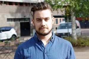 Niklas Niva Sjökvist, ordförande i Leksand Superstars, backar klubbens och SHL:s pride-intiativ.