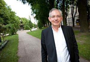 Keith Wijkander är historiker, arkeolog och museiman. Han har tidigare varit ämbetsman inom regeringskansliet och kulturmiljövården och dessutom överantikvarie vid Riksantikvarieämbetet samt överintendent vid Statens maritima museer.Foto: Lars Wigert