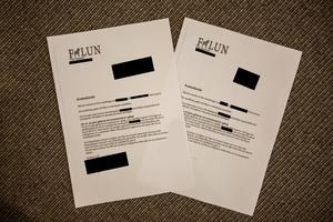 De två dokument som visar avskedandet av enhetschefen och ytterligare en anställd. Denna gång maskat av Dala-Demokraten.
