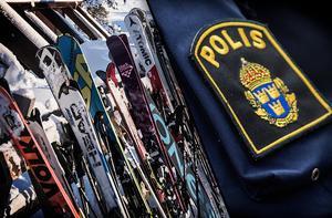 Fotomontage: TT Nyhetsbyrån.Passa skidorna i påsk – stölder för miljoner i backarna