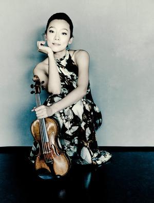 Clara Jumi Kang, ny stjärna på violinhimlen. Gästar Västernorrland 2019. Bild: Marco Borggreve