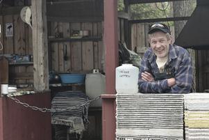 Marco Buttelmann hoppas att folk åter får upp ögonen för Ängersjö kojby så att byalaget kan göra nödvändiga upprustningar.