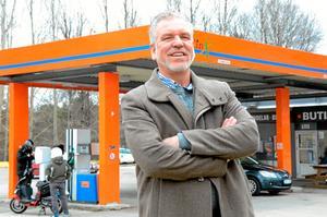 - Jag tänker mig att bensinmacken kan bli ett nav och en knytpunkt för alla mina verksamheter i Ljusnarsbergs kommun, säger Jimmy Hoppe.