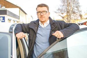 Magnus Karlsson fick ett otroligt genomslag för sitt inlägg om bilister som inte sänker farten när eftersöksjägare jobbar längs vägarna i Härjedalen.