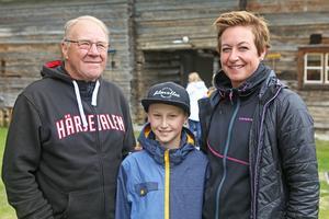 Kjell, Wilgot och Gittan Tjärnås var några av besökarna på marknaden