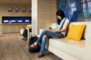 Sociala medier är ett sätt för resenärer att nå fram till flygbolagen.