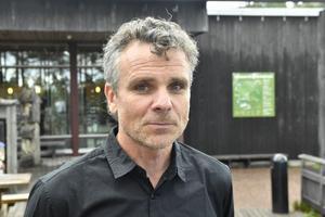 Grönklittsgruppens VD Anders Blomqvist berättar att de två björnhonorna som tagit sig in i hägnet var syskon.