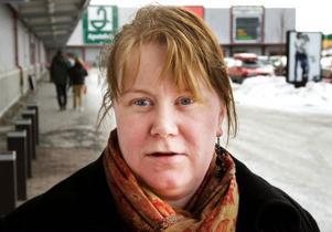 Anna Loo, Hede– Ja, jag brukar köpa böcker, kläder och konsertbiljetter. Jag handlar kanske två–tre gånger per år ungefär.
