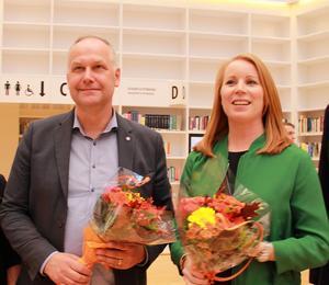Jonas Sjöstedt (V) och Annie Lööf (C) berömde varandra som debattmotståndare.