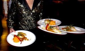 Många får sitt första jobb inom restaurangnäringen.