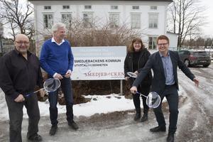 Fritidsassistenten Roger Öbrell, näringslivschefen Lennart Silfverin, fritidschefen Siw Östlund och kommunalrådet Fredrik Rönning slår inte bara ett utan flera slag för ännu bättre dialog och samspel med föreningslivet.