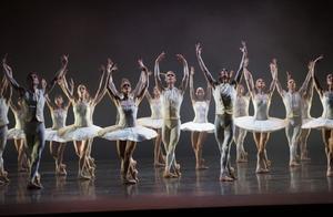 Balett från Kungliga Operan borde fler kunna ta del av.