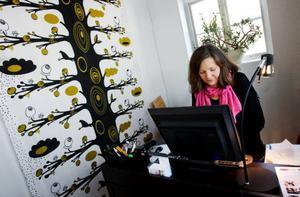 """I november förra året startade Margaretha Lindbäck Hansson en sajt där kvinnliga företagare kan visa sina produkter, tjänster och besökmål.  Hon tror att konsumenterna blir mer och mer medvetna om vad de köper. """"Jag tror att den solidariska tanken är stark, speciellt bland unga vuxna""""."""