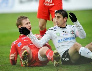 Alejandro bedoya fick testa på att spela defensiv mittfältare mot Köping.