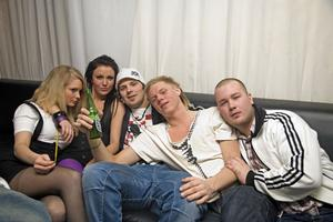 PlutoNathalie, Malene, Jölle, Solin och Dennis.