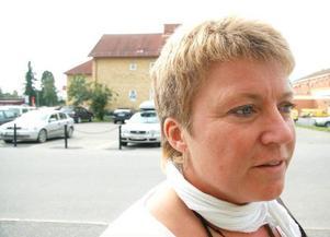 Ulla Jonsson, turistchef  i Frostviken, är bekymrad över Strömsunds kommuns besparingar som slår hårt mot området där hon verkar.Foto: Jonas Ottosson