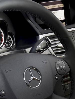 Bilen gör anspråk på att vara både störst, bäst och vackrast. Utseendet överlåter vi till betraktaren att bedöma men störst och bäst stämmer. Och dyrast!