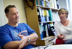 Kaj Gustafsson från FoU Välfärd i Region Gävleborg, har utvärderat framtidssamtalet. Maria Lövgren är koordinator för brottsförebyggande arbete i Hudiksvalls kommun.