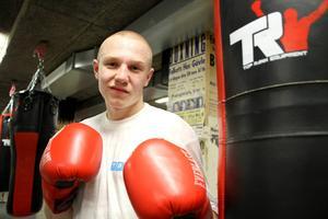 Anton Hellström fastnade för boxningen omedelbart när han testade på det för tre år sedan.