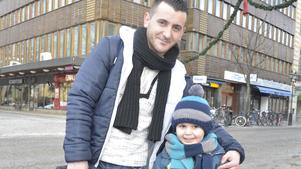 Sanel Skrijeli och hans son Armin tycker att alla veckor ska vara vänliga.