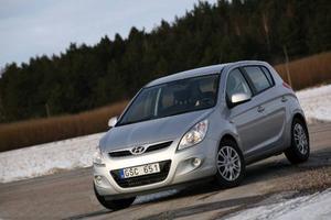 Prisvärd småbil som kommer i rätt tid. Hyundai i20 ersätter Getz och täpper samtidigt till luckan mellan Hyunda i i10 och i30. Foto: Rolf Gildenlöw