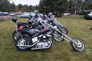 Motorcyklar fanns det också i långa banor.