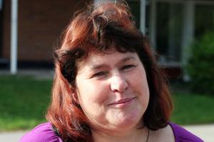 Eva Klang, är rektor för Backens skola och den som tar besluten om besök på skolan.