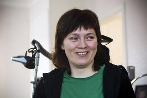 Maria Lénström försöker hålla humöret upp för barnens skull.