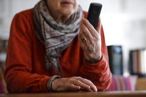 Uppringd. Många blir lurade av telefonförsäljare.