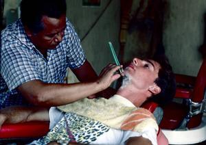 Min första rakning skedde i staden Léon i norra Nicaragua 1987.