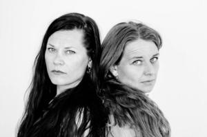 Jenny K Lundgren och Kirsti Øibakken Pedersen målar upp livet som kantat av besvikelser och frustration fast med en och annan oväntad vinstlott.