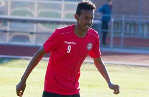 Abdiboqor Ali, KFF:s Eric Abidal.