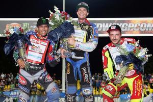 Prispallen i Prag: Greg Hancock på andra plats, Jason Doyle som segrare och Vaclav Milik på tredjeplatsen.
