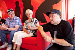 Vill ha en förändring. Leif Johansson, Kommunals sektionsordförande i Sandviken, Irja och Owe Johnsson har fått nog av regeringen.