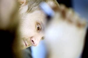 Jonny Hjortfors hämtar inspiration till sin haikudikt från produktionen på Sandvik där han tidigare jobbat.