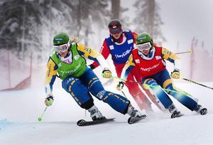 Anna Holmlund som vi är van att se henne – främst i skicrossbanan.