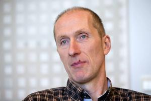 Lars-Erik Lauritz, föreståndare för polisutbildningen, vill att utbildningen i framtiden blir akademisk, mer lik en traditionell högskoleutbildning.