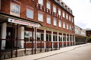 Om inte kommunen är beredd att sänka hyran försvinner Restaurang Renen från Folkets Hus.