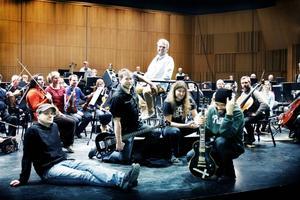 Uffe Cederlund, Thomas von Wachenfeldt, Orvar Säfström och Alex Hellid spelar tillsammans som Entombed under lördagkvällen på Konserthuset.