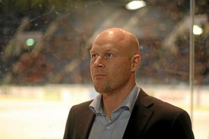 Marcus Ragnarsson, spelade sitt sista aktiva år i Djurgårdens IF. Nu tränar han Almtuna i hockeyallsvenskan.