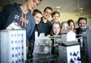 Hampus Olofsson, Love Länn, Daniel Liptak, Jakob Langwagen, Wilma Carlgren, Irma Bruce, Alma Borgman och Philip Olsson representerade skolan i finalen.