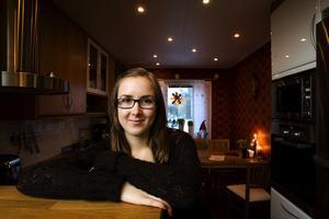 Ingrid Mobacke är en aktiv 18-åring. Hon går sista året på naturvetenskapliga programmet på Skvaderns gymnasieskola.
