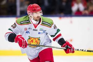 Tomas Skogs, assisterande lagkaptenen, blev förvånad över att tränarduon fick sparken.