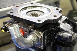 Alftaprodukter renoverar hydraulmotorer och hydraulpumpar.